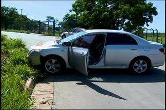 Com uso de rastreador, polícia localiza carro roubado em Divinópolis - Veículo havia sido roubado no Bairro Belvedere. Equipamento ajudou em localização