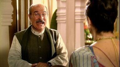 Manu conta a Kochi que sentiu seu neto se mexer - Ele comemora a gravidez de Maya e Kochi fica preocupada