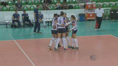 Vôlei feminino de Valinhos estreia com derrota na Superliga - Time de Brasília fez 3 sets a zero.