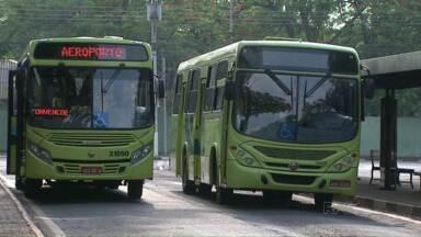 Usuários do transporte coletivo estão se adaptando às mudanças em Foz - Entre as mudanças, o tempo de espera para chegar ao destino agora é de uma hora e meia. Antes era de apenas uma hora.