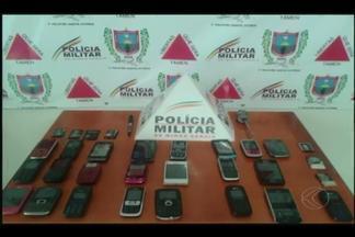 Celulares são encontrados em celas da cadeia de Santa Vitória, MG - Ação de busca/revista foi realizada pelas polícias Militar e Civil. Material foi encontrado nesta quarta-feira (11).