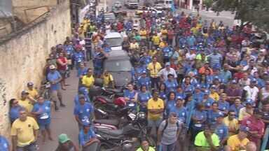 Funcionários da Codesavi decidem manter a greve em São Vicente, SP - Eles querem que todos os salários sejam pagos e a liberação dos benefícios.