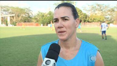Meninas do Tiradentes fazem último treino para enfrentar o São José - Meninas do Tiradentes fazem último treino para enfrentar o São José