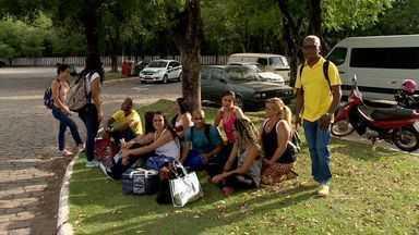 Vale cancela viagens de trem no ES devido a protesto em ferrovia em MG - Índios fecharam a ferrovia em protesto por causa da lama no Rio Doce. Vale diz que operações de cargas e passageiros foram suspensas.