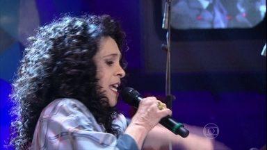 Gal Costa canta um de seus maiores sucessos - Cantora se apresenta no programa 'Altas Horas'