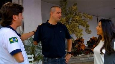 Piloto que perdeu antebraço realiza sonho de voltar a voar de helicóptero - Gustavo perdeu o antebraço num acidente de ônibus e agora está realizando um sonho: voltar a voar.