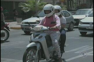 Donos de cinquentinhas devem regularizar carteira de habilitação para condução do veículo - Para andar nas ruas agora, o ciclomotor deve estar emplacado e o condutor habilitado