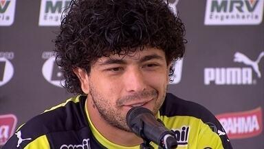 Luan responde de maneira curiosa sobre um possível retorno de Cuca ao Atlético-MG - Jogador também falou da definição do segundo lugar