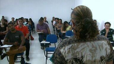'Giro pelo Nordeste' mostra o mercado de trabalho na Bahia - Segundo especialista, a qualificação de um profissional faz a diferença na hora da contratação, pois as vagas de emprego, apesar de terem diminuído, não deixaram de existir.