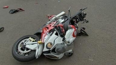 Motociclista morre após ser atingido por carro em Campo Grande - Bombeiros estiveram no local do acidente que ocorreu nesta quarta-feira (2).