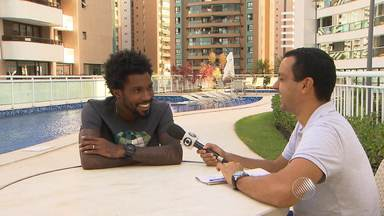 Entrevista: Rhayner fala sobre o ano de destaque no Vitória - Confira as notícias do rubro-negro baiano.