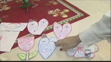 Campanha do Papai Noel dos Correios promove ação solidária - A oportunidade é para as pessoas presentearem crianças que têm menos condições de comprar um presente.
