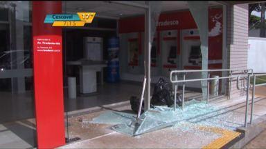 Assaltos e roubos a bancos têm se tornado rotina em Londrina - Bandidos assaltaram uma agência bancária durante o expediente na cidade.