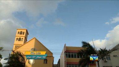 Veja como fica o tempo nesta quinta-feira (3), no Maranhão - Tempo seco e calor na maior parte do Maranhão. Possibilidade de chuva rápida no sul do Estado. Em São Luís, a previsão para esta quinta-feira (3) é de muitas nuvens e predomínio de sol. Os termômetros marcam mínima de 26°C e máxima de 36°C.