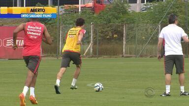 Internacional enfrenta Cruzeiro no Beira-Rio com desfalques no domingo (6) - Técnico Argel ainda não definiu time que vai começar na partida pela última rodada do Brasileirão.