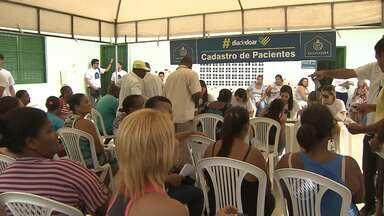 """Santa Casa faz mutirão com exames e consultas gratuitas para moradores do Bairro da Paz - Projeto é chamado """"Dia de Doar""""."""