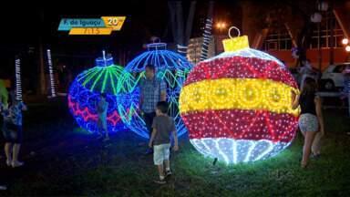 Programação de Natal começa oficialmente em Londrina - Abertura oficial do Natal na cidade ocorreu na noite de segunda-feira (7). As atrações na cidade seguem até 23 de dezembro. Lojas do comércio ficam abertas até as 22h.