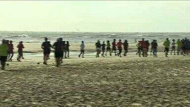 Corrida é realizada em praia de Aracaju - Corrida é realizada em praia de Aracaju.