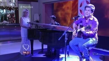 Daniel canta 'Apenas Mais uma de Amor' - Pianista Rodrigo Costa acompanha o cantor no clássico de Lulu Santos