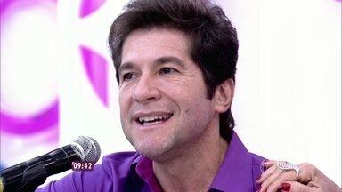 Daniel conta que música de Guilherme Arantes o fez desistir de parar de cantar - Cantor dá palinha de 'Meu Mundo e Nada Mais' e recebe homenagem do autor da canção