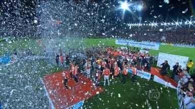 Nos pênaltis, Santa Fé bate o Huracán e leva título da Copa Sul-Americana - Nos pênaltis, Santa Fé bate o Huracán e leva título da Copa Sul-Americana
