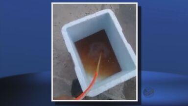 Moradores de Jesuânia reclamam de água suja nas torneiras das casas - Moradores de Jesuânia reclamam de água suja nas torneiras das casas