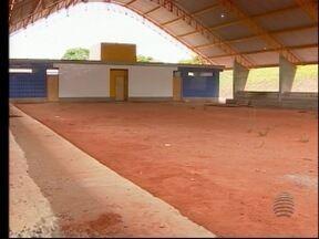 Lucélia tem quase R$ 2 milhões em obras paradas - Investimento foi feito e as construções estão em ritmo lento.
