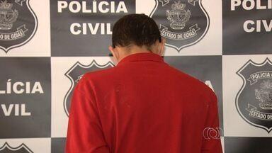 Suspeito de matar menina durante briga entre gangues é preso em Goiás - Garota de 8 anos foi morta com tiro na cabeça ao brincar na porta de casa. Para a polícia, homem detido teve um cúmplice, ainda não identificado.