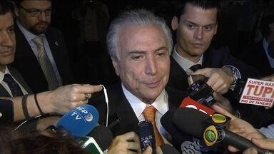 Dilma e Temer terminam encontro com declarações conciliatórias - Foram 50 minutos de conversa após cinco dias de silêncio. Uma conversa franca, segundo relatos dos dois lados.