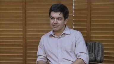 Troca de Levy por Nelson Barbosa repercute em Brasília - O líder do partido Rede no Senado, Randolfe Rodrigues, não viu qualquer surpresa na saída de Joaquim Levy e na entrada de Nelson Barbosa.