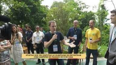 Atletas que vão disputar as olimpíadas se encontram com campeões do passado - Tande, Hortência e Flávio Canto são alguns dos atletas que participaram do evento
