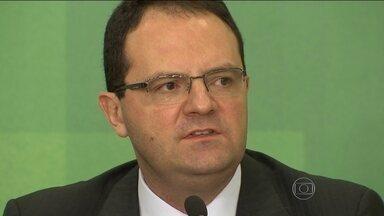 Novo ministro da Fazenda enfrenta primeiro desafio antes da posse - Nelson Barbosa vai conversar com investidores nesta segunda-feira (21) para tentar passar uma mensagem de tranquilidade.