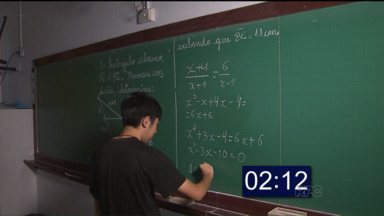Conheça a história do estudante de 14 anos vencedor de duas Olímpiadas de Matemática - O estudante, Eduardo Kusakariba, medalha de ouro em duas olímpiadas, conta que teve problemas para aprender a matemática até conseguir dominá-la.