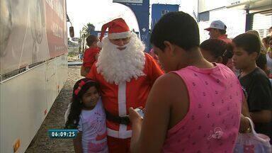 Crianças do Bairro Jardim Iracema ganham festa de Natal - Iniciativa foi organizada pela associação de moradores do local que distribuiu mais de 1500 presentes.