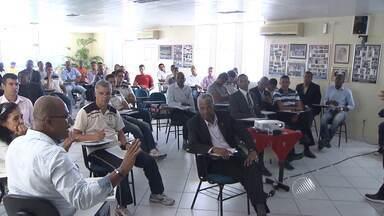 Árbitros participam de treinamentos de pré-temporada, em Salvador - Falta mais de um mês para o começo do Baianão 2016.