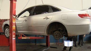 Dezembro é epoca de revisar o carro antes das viagens de fim de ano - Oficinas mecânicas da região estão cheias.