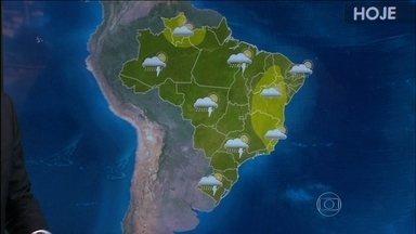 Veja a previsão do tempo para esta terça-feira (22) - Verão começa com previsão de chuva forte em grande parte do Brasil. A estação começou oficialmente às 2h48 desta terça-feira, que será o dia mais longo do ano. São Paulo e Goiânia tiveram fortes chuvas, típicas de verão.