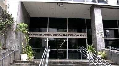 Corrupção derruba cúpula da Corregedoria da Polícia Civil de SP - O MP acredita que policiais do DEIC, que investigam o crime organizado, pagavam um mensalão de R$ 50 mil para que os corregedores avisarem quando um policial era investigado.