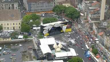 Festa de Réveillon de Salvador tem esquema especial de trânsito e transporte; confira - Para quem vai de carro, há opções de estacionamento perto do evento, que será na Praça Cayru, no Comércio.