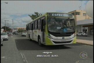Petrolina recebe novos ônibus do transporte coletivo - Os veículos foram apresentados em um desfile pelas avenidas de Petrolina.