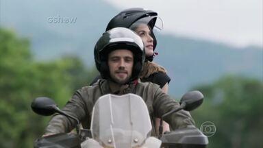 Relembre momentos marcantes de Lívia e Felipe em Além do Tempo - A história de amor do casal Livipe sobreviveu ao tempo e deixará saudades