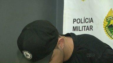 Homem é preso por porte ilegal de arma - Foi durante uma abordagem policial no Jardim Manaus.