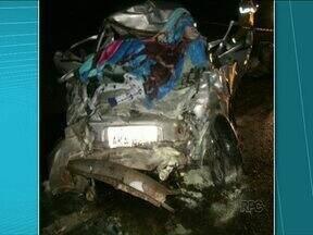 Fim de semana violento nas estradas registra 14 mortes em acidentes - A mistura álcool e direção fez sete vítimas em um único acidente nos Campos Gerais.