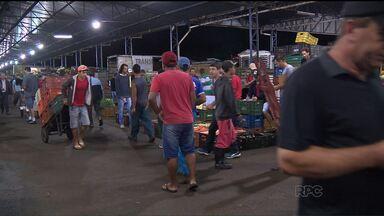 Depois de uma semana, os comerciantes da Ceasa estão se acostumando com os novos horários - A mudança no horário de abertura do Ceasa divide opiniões.