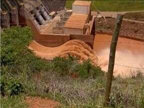Lama que invadiu Rio Doce compromete economia de municípios mineiros - Municípios de Rio Doce e Santa Cruz do Escalvado ainda não conseguiram se recuperar dos efeitos do rompimento da barragem da Samarco.