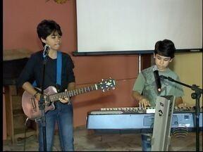 Irmãos de Presidente Epitácio representam a região no The Voice Kids - Enzo e Éder já ganharam fãs no Oeste Paulista.