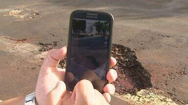 Motoristas usam Waze para alertar sobre buracos nas vias públicas em Ribeirão Preto - Secretaria de Infraestrutura informou que sete equipes realizam uma operação emergencial para consertar os buracos provocados pela chuva das últimas semanas.