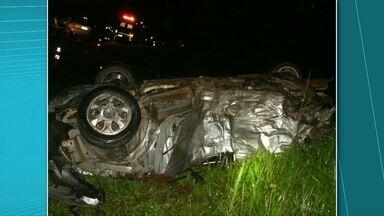 Sete pessoas morrem em acidente - O acidente foi na BR277 em Palmeira. Sete pessoas morreram entre elas uma criança de 12 anos. Uma adolescente ficou ferida.