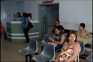 Pacientes enfrentam fila por vagas pelo SUS em hospital de Divinópolis - Atualmente, 37 pacientes aguardam por transferência para leito no HSJD. Hospital nega crise; autoridades de Saúde abordam falta de atendimento.