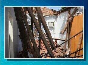 Parte do teto de uma casa desabou em Paraíso do Tocantins - Parte do teto de uma casa desabou em Paraíso do Tocantins